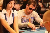 Charitativní pokerový turnaj za účasti českých hokejistů ze zámořské NHL se uskutečnil v pražském kasinu Card Casino Prague.