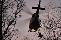 Zásah záchranářů po pádu muže ze skály v Dalejském údolí v pražských Řeporyjích.
