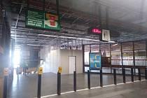 Výstavba výtahu mezi nástupištěm a vestibulem.