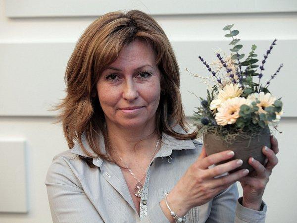 Evropský den epilepsie – aranžování slidmi sepilepsií,květinové dekorace. Impact Hub Praha 11.února.