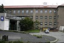 Gymnázium Buďánka v ulici Pod Žvahovem v Praze 5.
