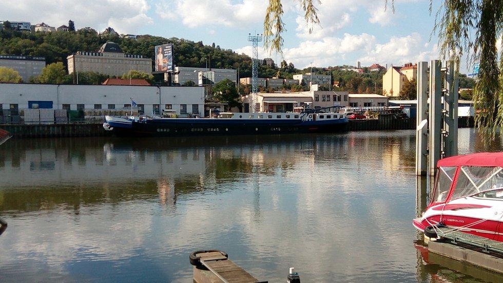 Smíchovský přístav.