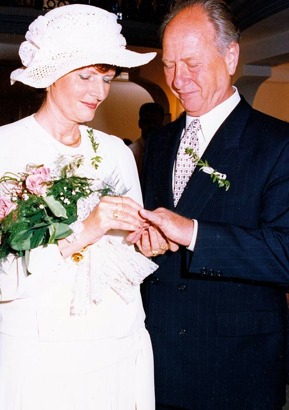 Druhý sňatek Waltera Fischla.