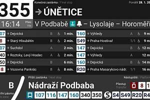 Zobrazení přípojů na displejích v rámci autobusu Pražské integrované dopravy.