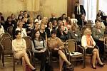 """Z konference na téma rovných příležitostí a rovnoprávnosti žen při uplatnění v byznysu i politice s názvem """"Za vším hledej ženu, aneb Jsou kvóty pro ženy skutečně potřebné?"""" v Praze."""