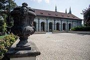 Pražský hrad 31. května v Praze. Míčovna v Královské zahradě.