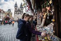 Velikonoční trhy na Staroměstském náměstí v Praze 14. dubna.