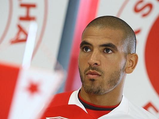 NOVÁ TVÁŘ. Tijani Belaid se ve Slavii dočkal parťáka z tuniské reprezentace - v pátek podepsal smlouvu s mistrovským celkem Hocine Ragued (na snímku).