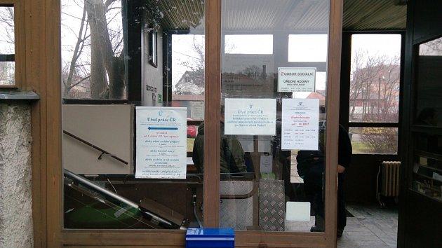 Úřad práce Prahy 8 sídlí se sociálním odborem v jedné budově