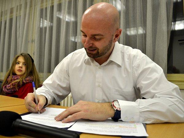 Sportovní moderátor a komentátor Ondřej Krátoška.