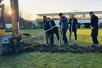 Zástupci města a dopravního podniku odstartovali opravu stanice Opatov.