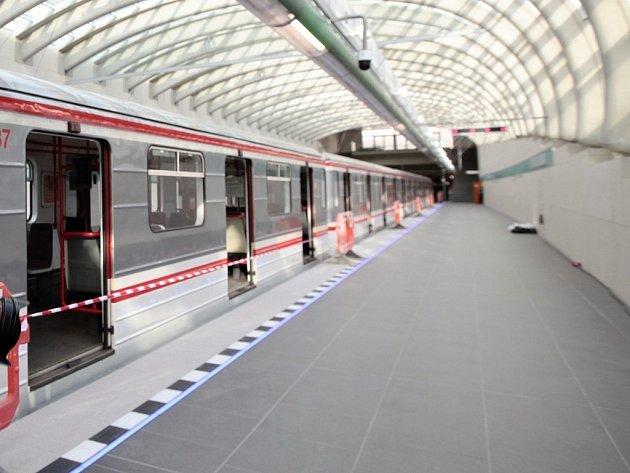 Stanice metra Nemocnice Motol v Praze.