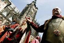 MINULOST. Královský průvod aneb Cesta Karla IV. s korunovačními klenoty.