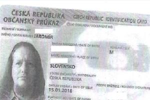 Muž vybíral peníze na falešný doklad totožnosti.