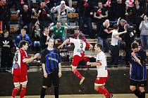 Futsalisté Slavie porazili Plzeň 6:3.