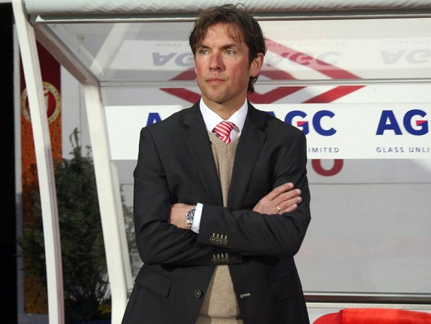 Gambrinus liga: FK Teplice - Slavia Praha 1:0 (0:0).
