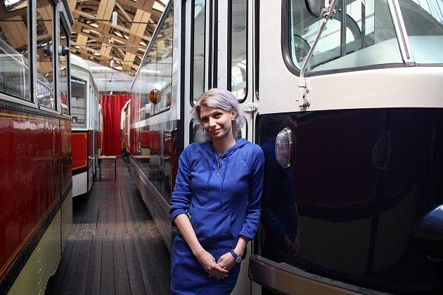 Mezi její oblíbené tramvaje patří KT8D5. 'Baví mě nejvíc, obdivuju jí, líbí se mi, že je obousměrná.' Na snímku udesignové T3 Coupé.