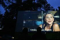 Letní kino na Střeleckém ostrově. Ilustrační foto
