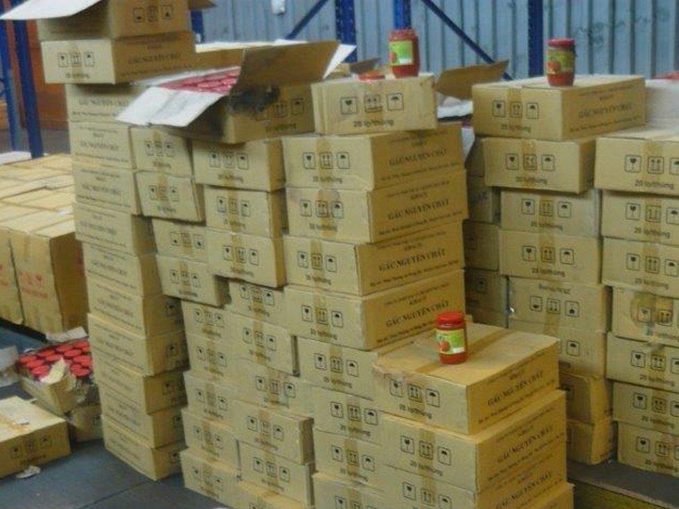 Zásilka zdravotně závadných potravin z Vietnamu.