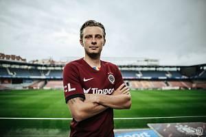 Fotbalista Ladislav Krejčí se vrátil po čtyřech letech do Sparty.