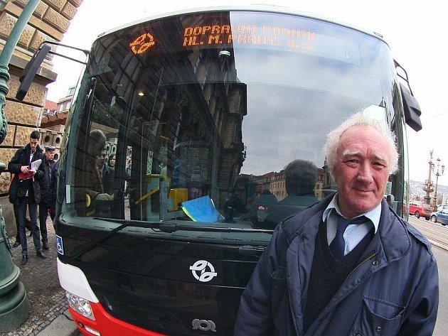 Praha ve středu 12. ledna představila nové hybridní autobusy.