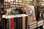 Rozloučení s knihkupectvím Fišer v Kaprově ulici v Praze