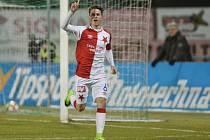 Jan Sýkora ze Slávie se raduje z gólu, který dal v zápase proti Příbrami.