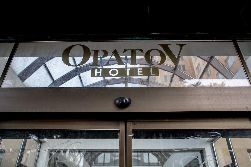 Opuštěný Hotel Opatov v Praze.