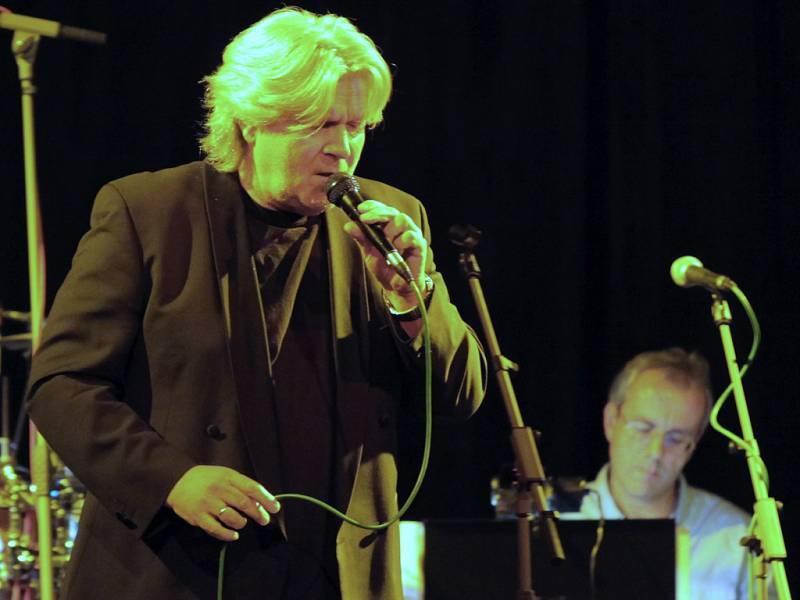 Z koncertu Fešáků v KC Novodvorská v Praze v úterý 3. prosince 2013.