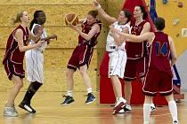 Souboje o postup do ŽBL vynikají urputností. Takový byl i zápas DSK Basketball a BLC Sparta Praha.