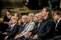 Primátorka Adriana Krnáčová předala 22. září na Staroměstské radnici stříbrné medaile a čestná občanství.