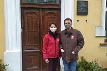 Ředitelka Domova pro seniory kardinála Berana Alena Hanková se sociálním pracovníkem Milanem Dvořákem.