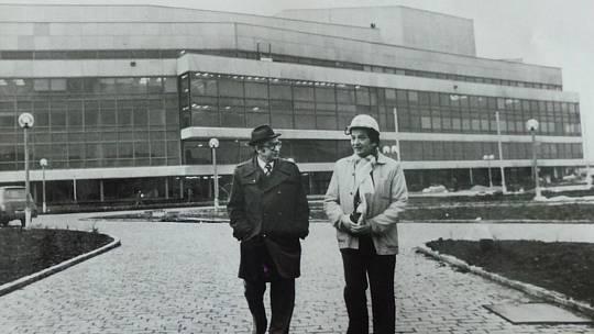 Josef Šnejdar na stavbě Paláce kultury.