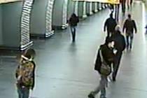 Muže pod vlivem alkoholu a drog museli policisté v metru paralyzovat taserem.