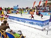 Snow volejbal.