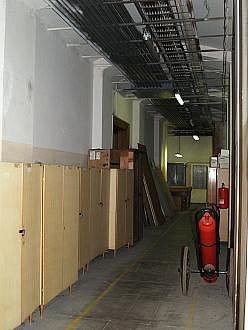 Suterén budovy před rekonstrukcí.