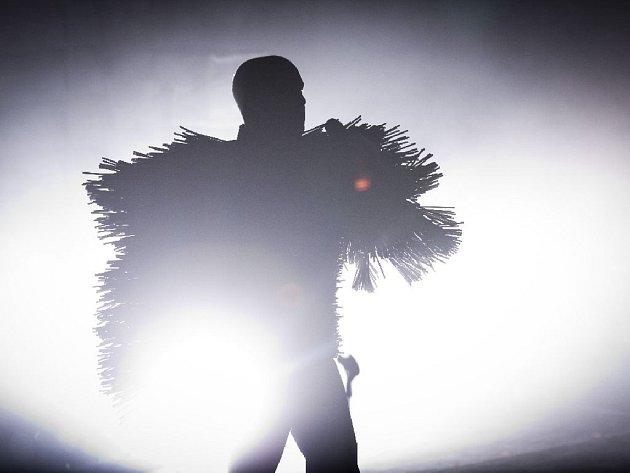 Britské elektronické duo Pet Shop Boys vystoupilo 13. srpna v Praze v rámci turné Electric World Tour, na němž představuje novou desku Electric.