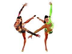 KDO S KOHO? Kříž, který protíná ruce gymnastek, značí jediné, na kvalifikaci do Ria pojede Monika Míčková (vlevo) nebo Anna Šebková.