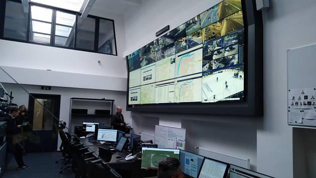 Zrekonstruované operační středisko krizového štábu v Praze.