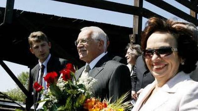 Václav Klaus se svou ženou navštívili také Bobovou dráhu Prosek.