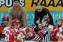 Slavia zapomněla a porazila Karlovy Vary 4:0.