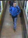 Muž podezřelý ze znásilnění a krádeže.