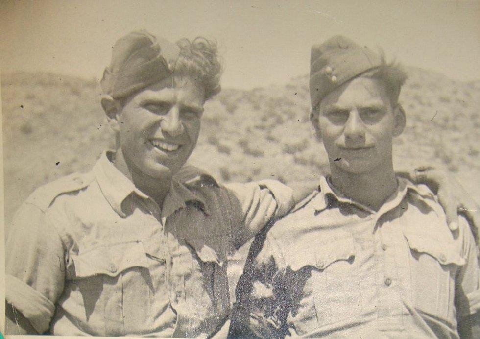 Viktor Wellemín (vpravo) se svým bratrem Adolfem.