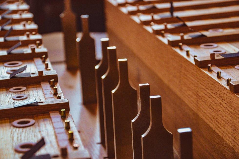 V Betlémské kapli se staví nové píšťalové varhany.