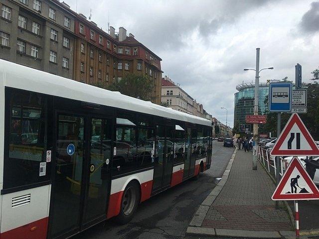 Koněvova ulice. Bus MHD. Ilustrační foto.