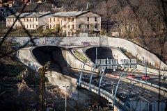 Strahovský tunel 15. listopadu v Praze. doprava, silnice, Anděl, Smíchov,