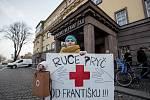 Happening proti plánu Prahy 1 přenechat provoz Nemocnice Na Františku soukromníkovi proběhl 9. ledna. Byl zahájen sběr podpisů pro vyhlášení referenda za zrušení koncesní smlouvy.