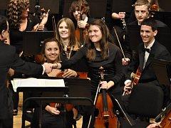 Americký soubor California Youth Symphony.