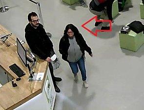 Krádež peněženky v Holešovické tržnici