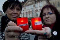 Pietní shromáždění u příležitosti výročí únorového komunistického převratu uspořádala platforma Bezkomunistů.cz ve čtvrtek 25. února 2016 na Staroměstském náměstí v Praze.